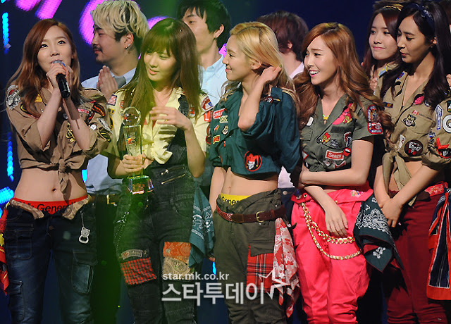 snsd i got a boy mcountdown january 17 pictures (1)