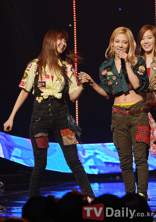 snsd mcountdown january 17th i got a boy pictures (35)