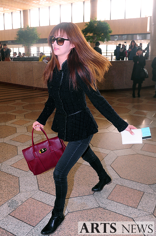 snsd airport pics (4)