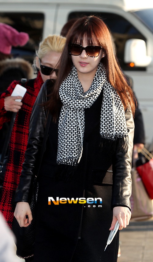 snsd-airport-pictures-to-japan-2