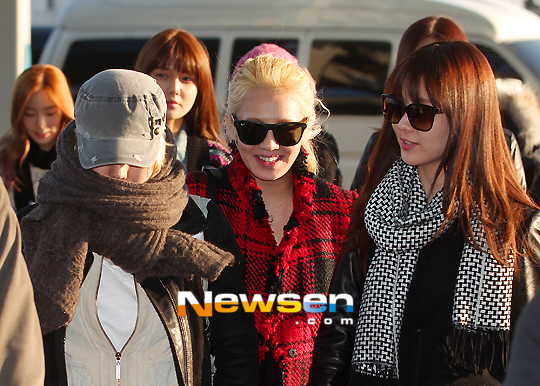 snsd-airport-pictures-to-japan-3
