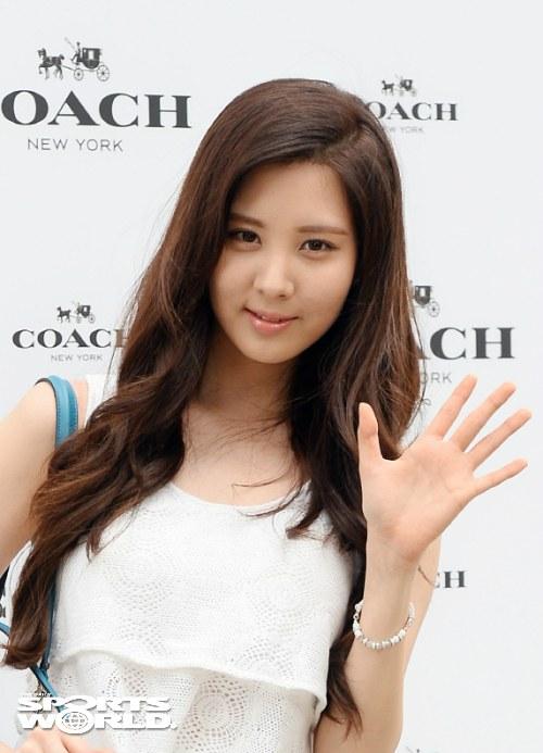 snsd seohyun coach 2013 (11)