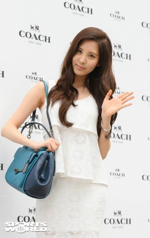 snsd seohyun coach 2013 (13)