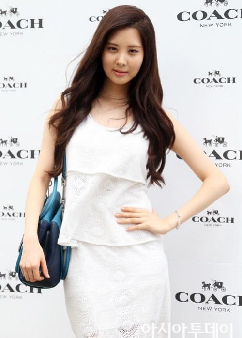 snsd seohyun coach 2013 (47)